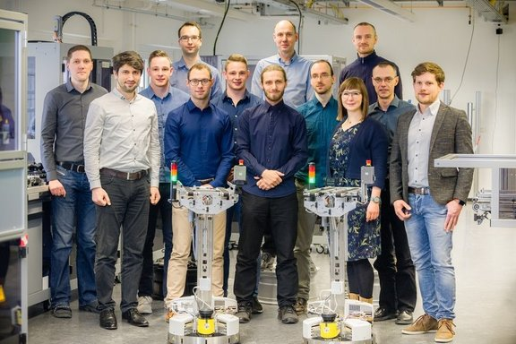 Gruppenfoto Arbeitsgruppe Smart Production Systems